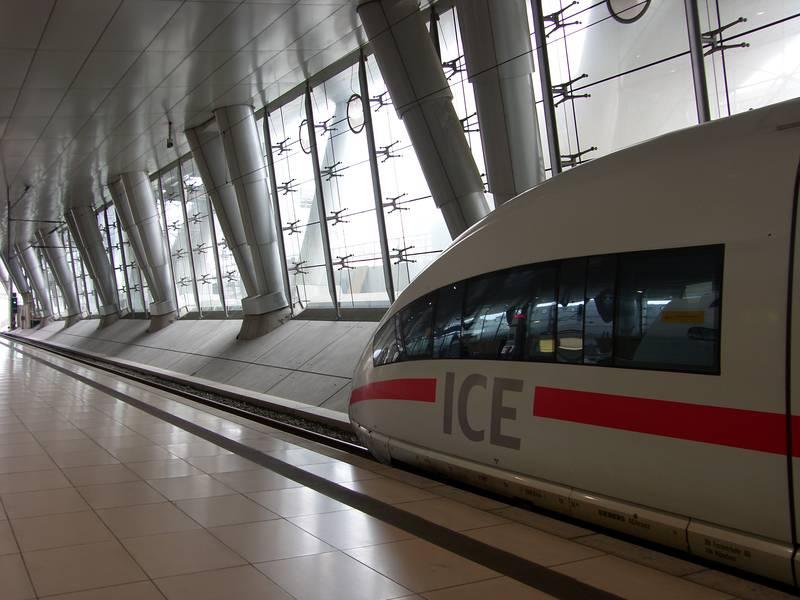 Airrail 1 Fernbahnhof Frankfurt gebo-Punkthalter AK A 60