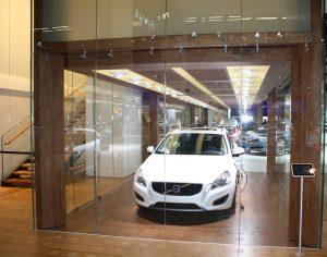 Volvo Messestand IAA 2011 gebo AK C kugelgelagerte idealgelenkige Senkhalter (1)