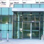 gebo Punkthalter Isolierglas CI 36 50 BayWa Zentrale München01