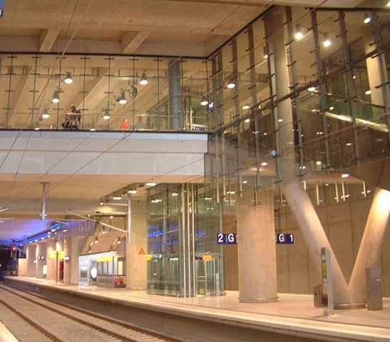 ICE Bahnhof Köln Bonn gebo