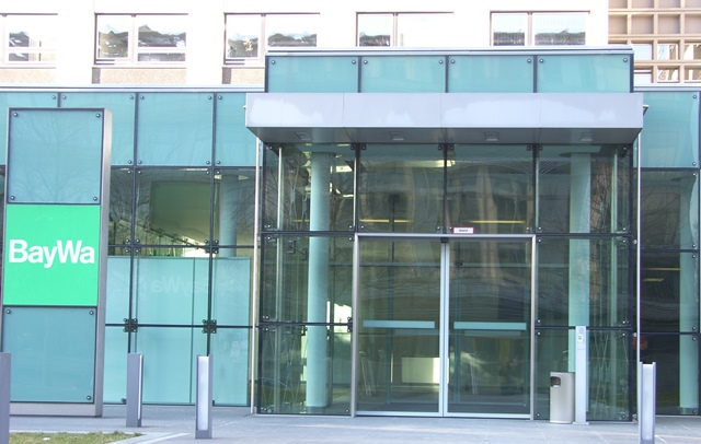 BayWa München mit Isolierglashalter STC