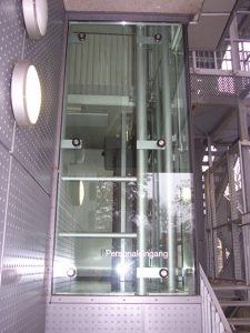 Finanzamt Memmingen gebo-Isolierglaspunkthalter ZK CI 04
