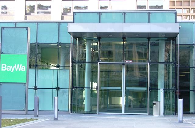 gebo-Punkthalter-Isolierglas-CI-36-50-BayWa-Zentrale-Muenchen01