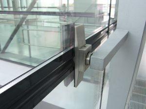 Flughafen-CGN gebo Randklemmhalter Glas