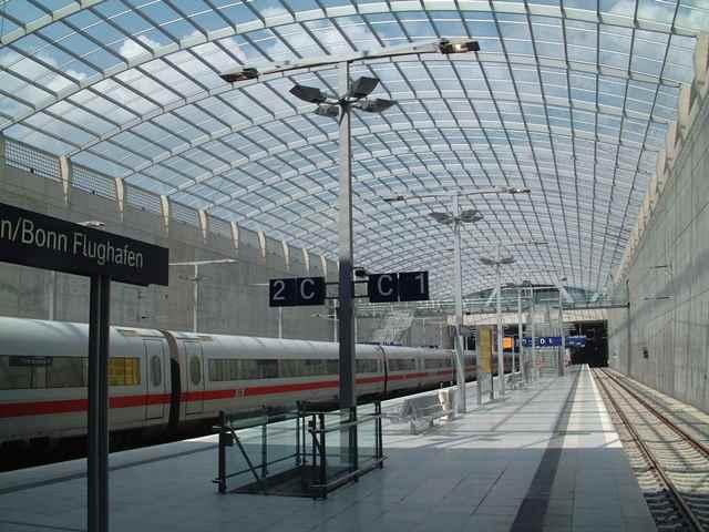 ICE Bahnhof Koeln Bonn fuer Bandschutzverglasung gebo A 60 (14)